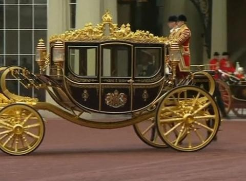 News video: Queen Debuts New State Coach Ahead of Parliament Speech